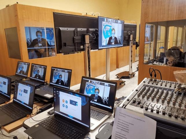 HUB interpretariato online remoto - CIIR Centro Internazionale Interpretariato Remoto. Rome OnLine Events - RADUZIONE SIMULTANEA DA REMOTO - SERVIZI INTERPRETARIATO DA REMOTO ONLINE - INTERPRETE ON-LINE - Evento Online con Traduzione Simultanea - CIIR HUB internazionale per Eventi OnLine Virtuali - Ibrido Presenza-Remoto, Videoconferenza, Webinar, Streaming, Multilingue, Servizi Traduzione Simultanea online da Remoto